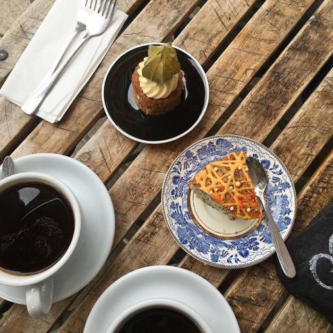 Amazing orange poppyseed cake & carrot cake #cake #coffee #delicious