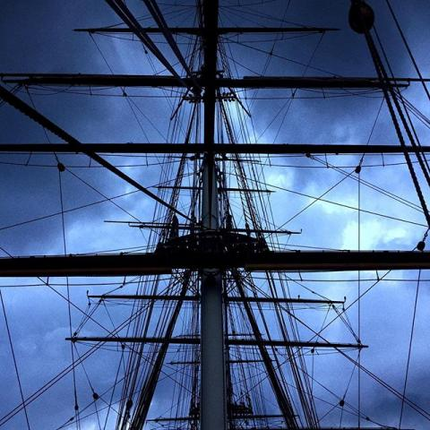 I'm on the Cutty Sark to watch some comedy and it's amazing but the weather overhead doesn't really reflect the jovial mood. ⛈